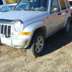 2006 Jeep Liberty front drivers side view